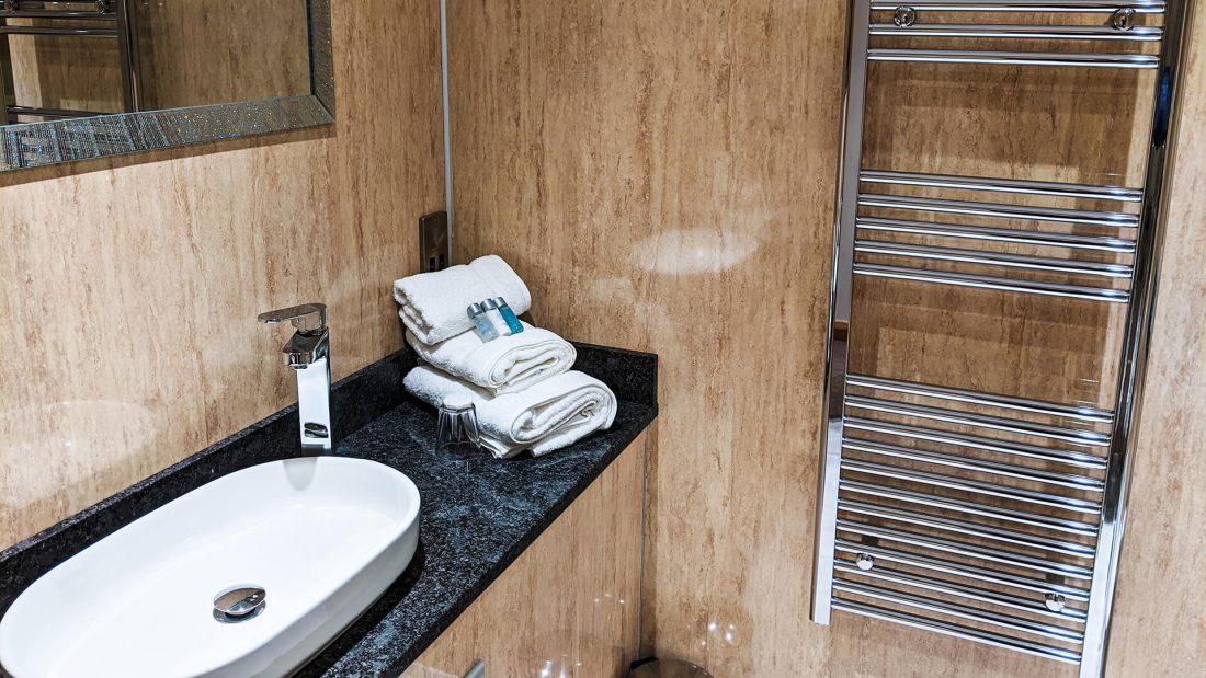 Riverside Country Club Bathroom