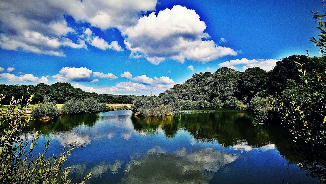 Fishing Lake Riverside Caravan & Camping Park