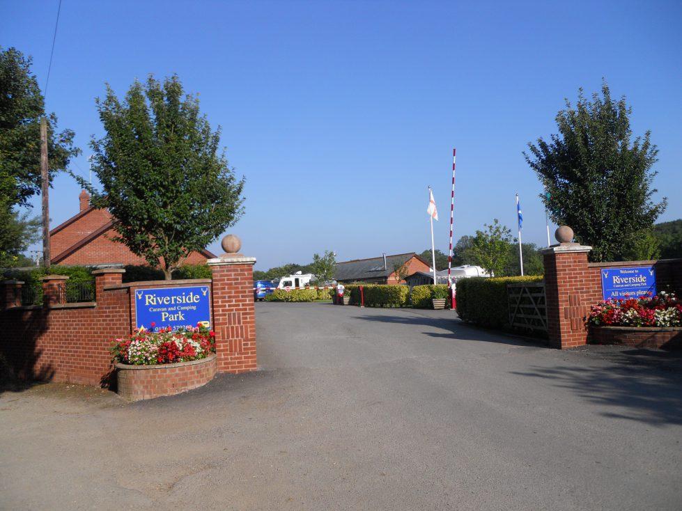 Park Entrance Riverside Camping & Caravan Park, South Molton