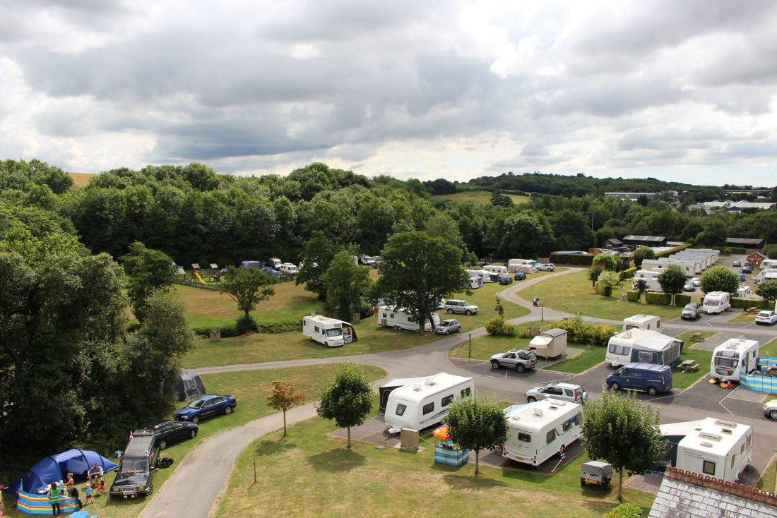 Riverside Camping Park